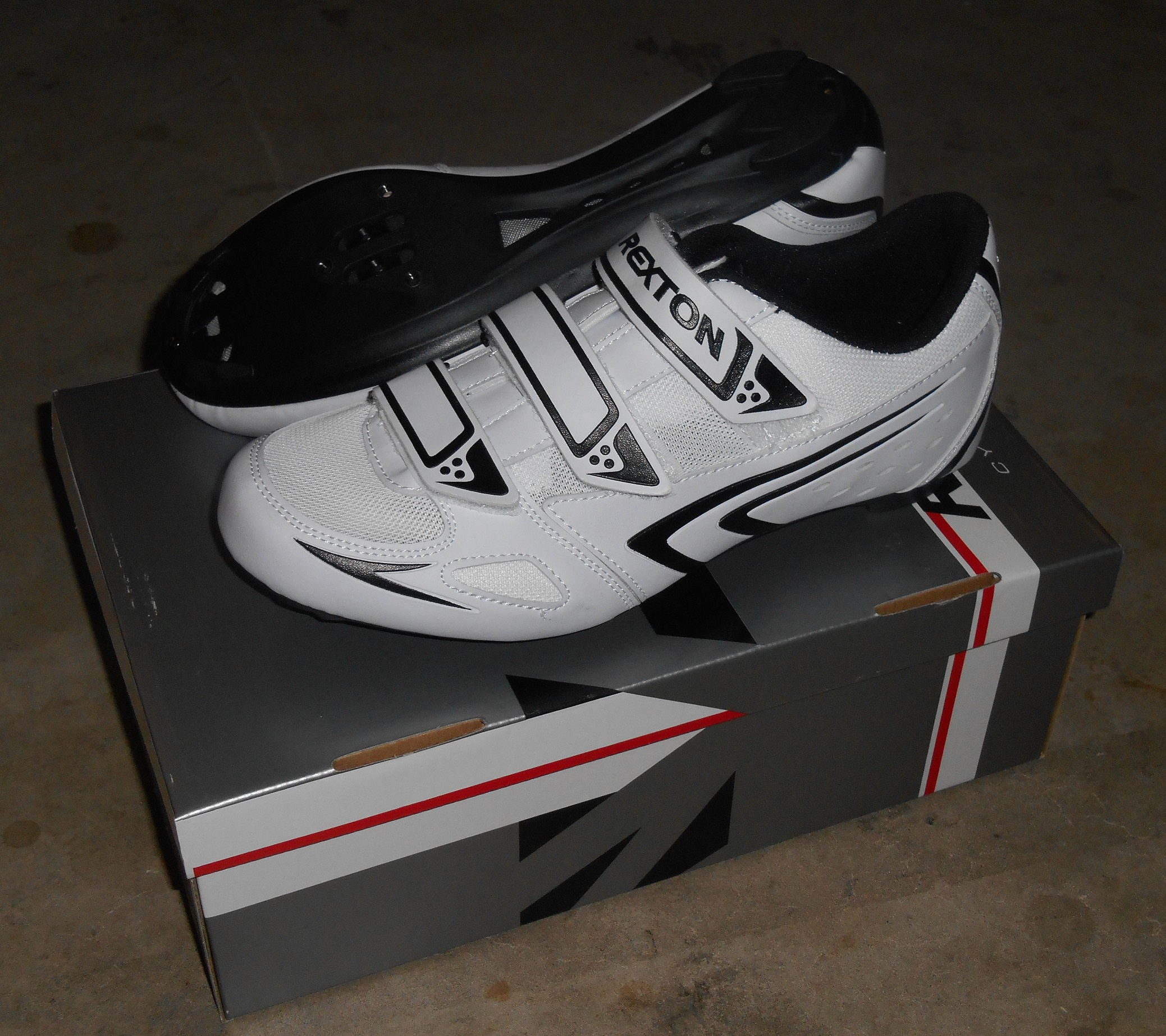 Rexton Road Bike Cycling Shoes Size EU 44  Shimano / Look Compatible